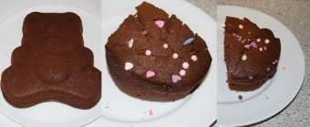Chokoladekagen serveres